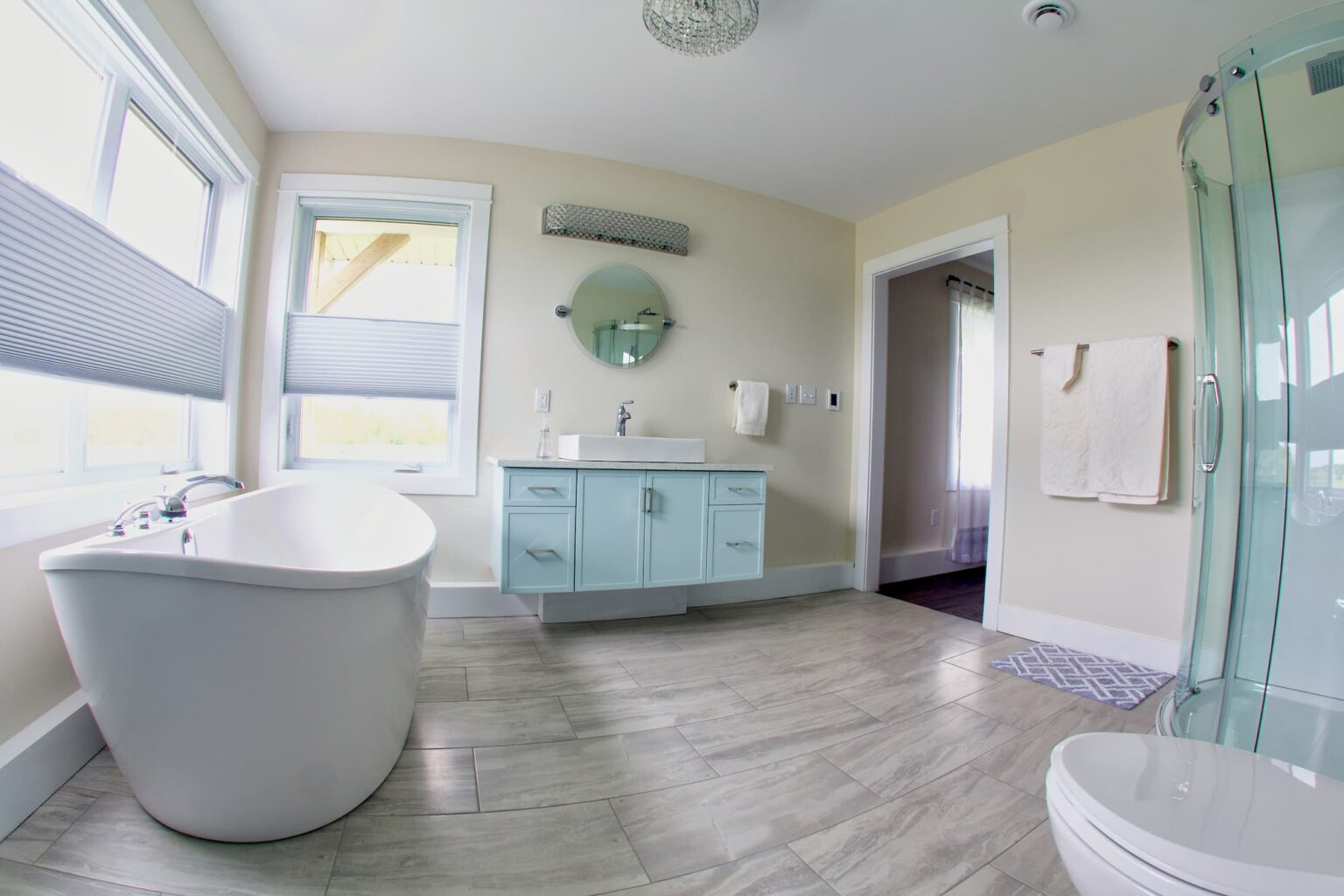 Luxurious 4-piece ensuite bathroom at Beausoleil Vineyards Guest House